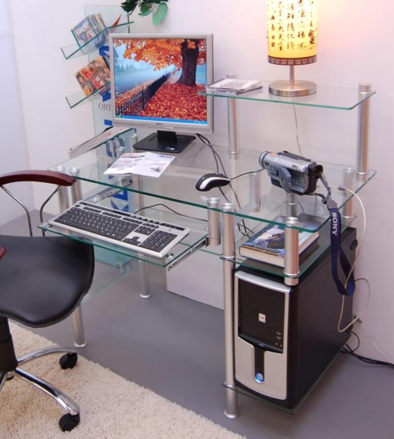 Стеклянный компьютерный стол  спб